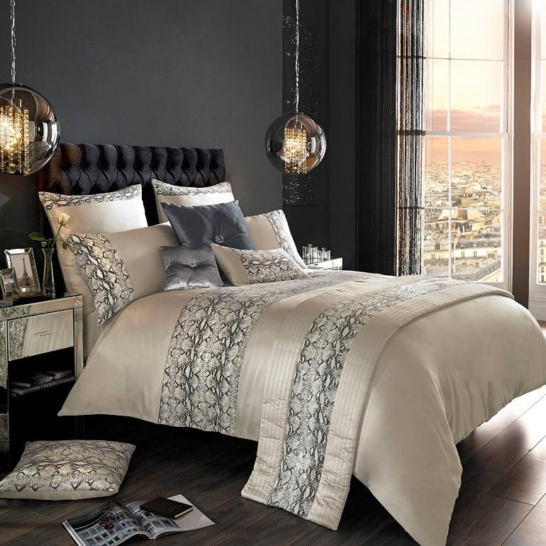 master bedroom, dream bedroom luxury textiles Luxury Textiles for A Luxurious Master Bedroom Luxury Master Bedrooms By Famous Interior Designers