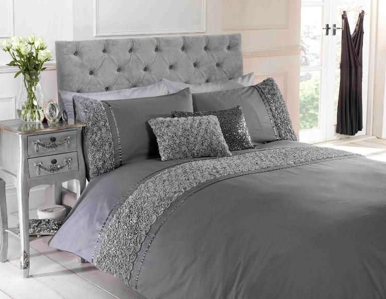 master bedroom design  luxury textiles Luxury Textiles for A Luxurious Master Bedroom Luxury Master Bedrooms By Famous Interior Designers9 1