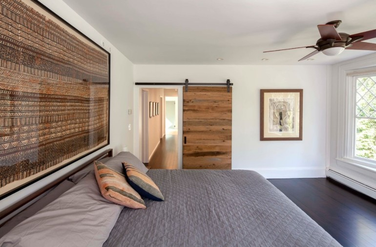bedrooms bedrooms 10 Splendid Bedrooms With Wooden Sliding Doors Discover the Ultimate Master Bedroom Styles and Inspirations2 5