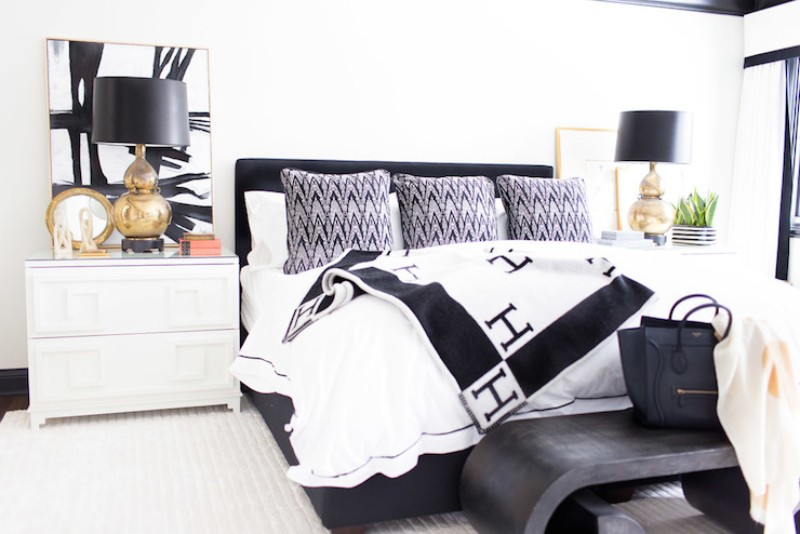 black and white 10 Black and White Master Bedroom Ideas 10 Black and White Master Bedroom Ideas 5