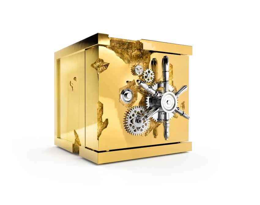 master bedroom Most Wanted Luxurious Safes For Your Master Bedroom millionaire table top