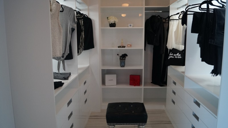 Walk-in Closets are a Must to any Master Bedroom walk-in closets Walk-in Closets are a Must to any Master Bedroom 7 Closets are a Must to any Master Bedroom