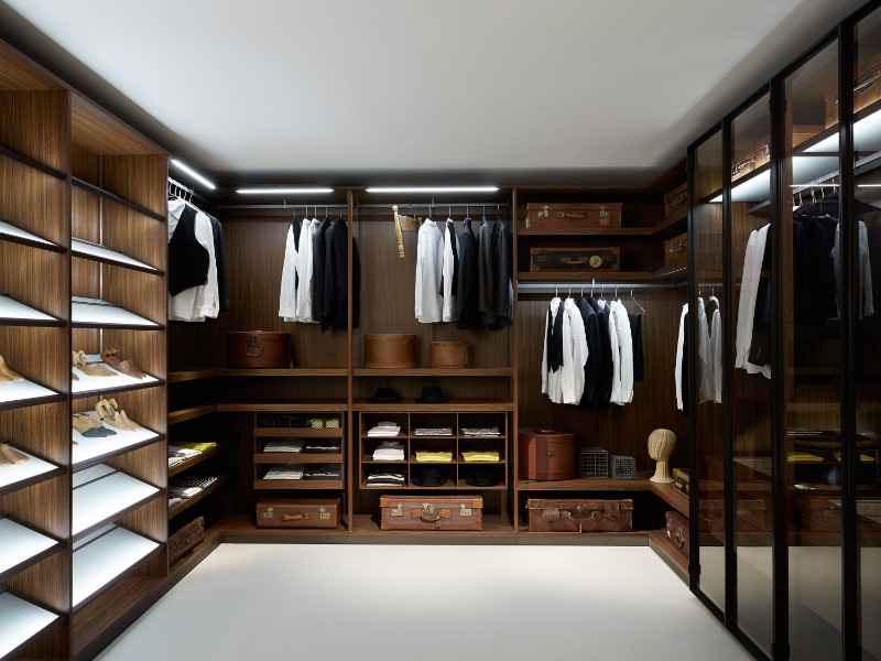 walk-in closets Walk-in Closets are a Must to any Master Bedroom 8 Closets are a Must to any Master Bedroom