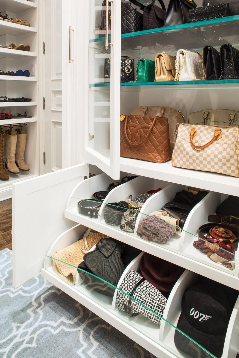 walk-in closets Walk-in Closets are a Must to any Master Bedroom 9 Closets are a Must to any Master Bedroom