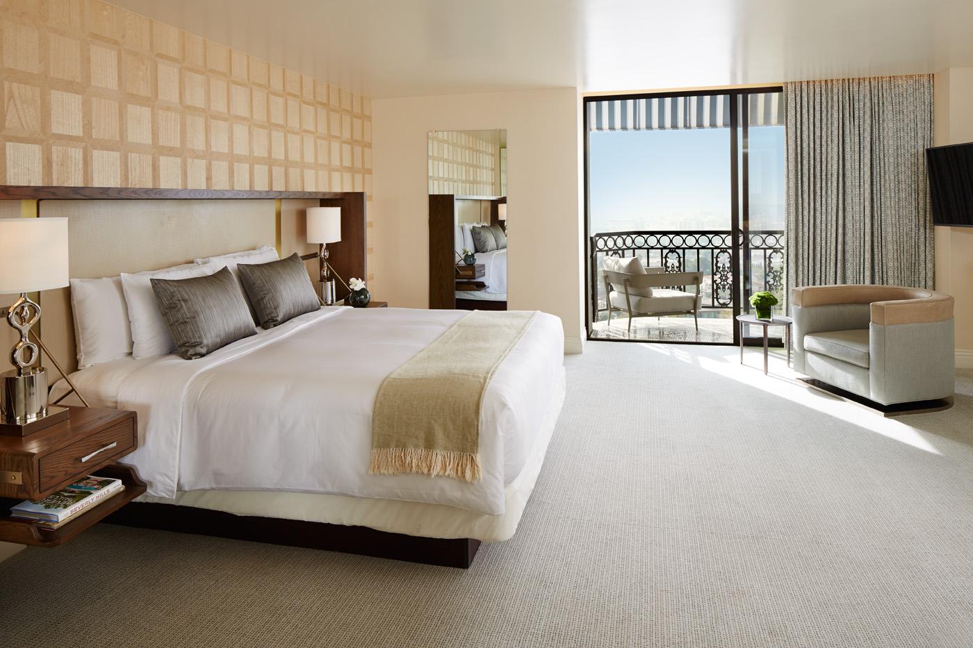 room design, décor master bedroom 10 David Collins Master Bedroom Ideas 160118 LWH suite904 bedroom noslippers 494