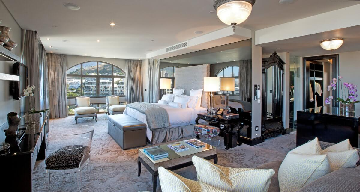 Luxury Lifestyle: The Most Luxurious Hotel Rooms in Africa luxury lifestyle Luxury Lifestyle:  The Most Luxurious Hotel Rooms in Africa 2 THE ONE ABOVE CAPE TOWN SOUTH AFRICA