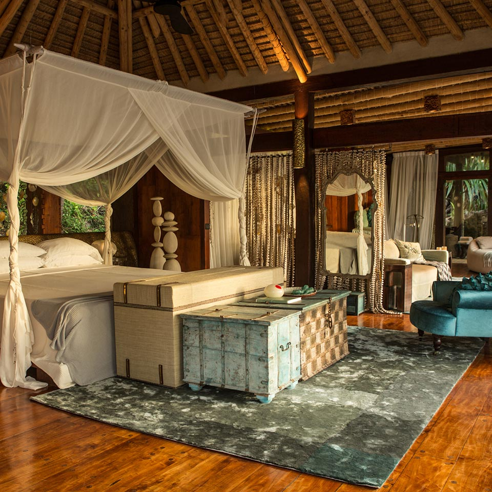 luxury lifestyle master bedroom Luxury Decor Tips to Improve Your Master Bedroom 3 NORTH ISLAND VILLA THE SEYCHELLES