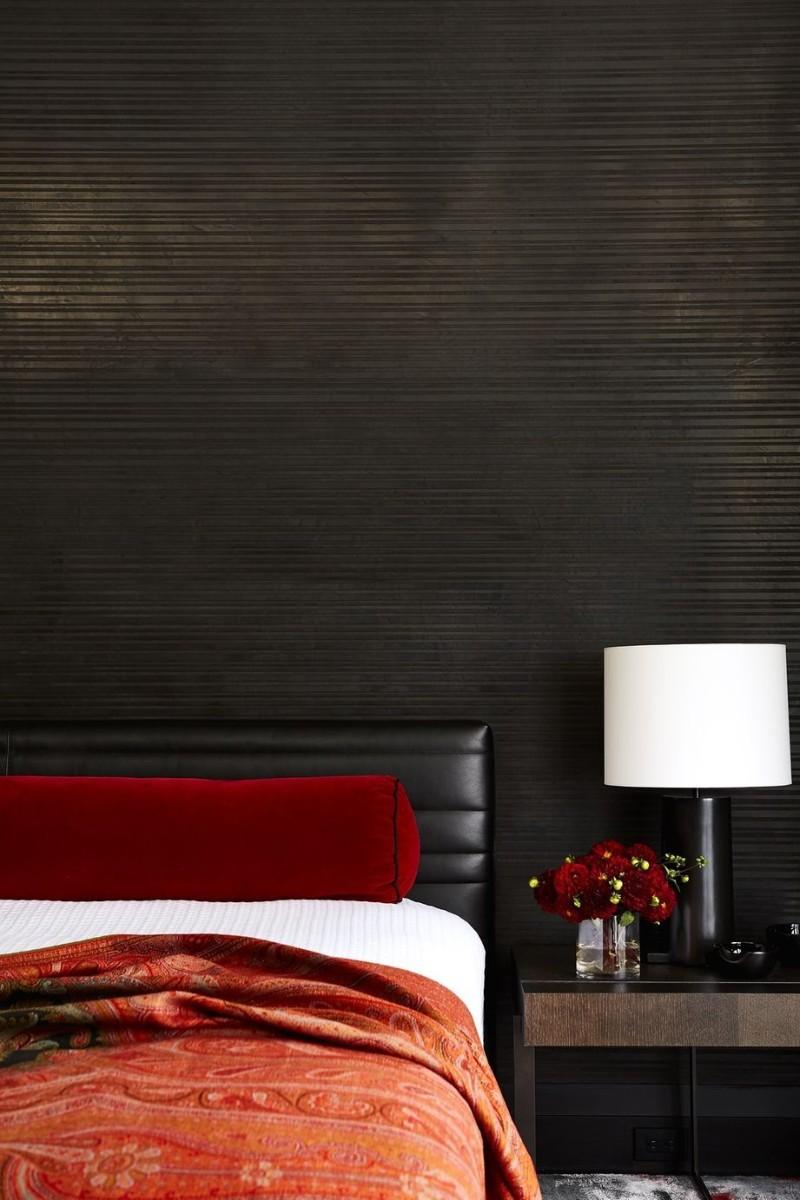 dark bedroom Dark Bedrooms Full of Finesse And Style Dark Bedrooms Full of Finesse And Style 7