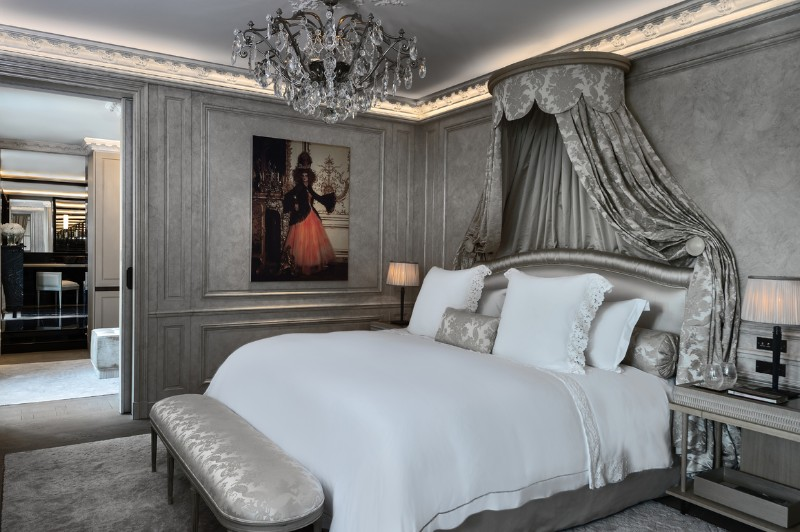 luxury suites Discover the Top 5 Luxury Suites in Paris Discover The Top 5 Luxury Suites in Paris 13