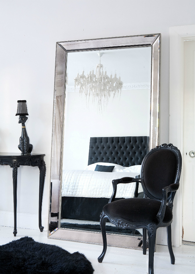 Floor Mirrors: the Essential of Master Bedroom Interiors ... on Mirrors Next To Bed  id=53906