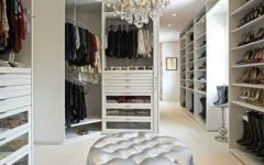 walk-in closets Fabulous Walk-In Closets to Make your Bedroom Interior More Organized! Feature 7 240x150