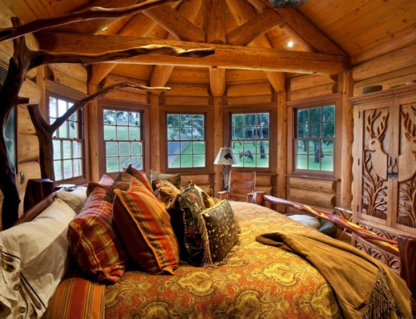 Rustic Bedrooms 10 Decorating Secrets For Beautiful Rustic Bedrooms Feature 10 600x460