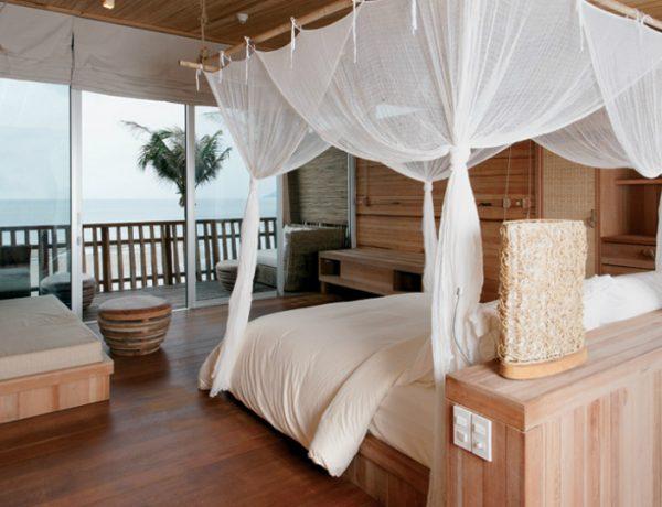 sensual bedroom interiors 5 Romantic and Sensual Bedroom Interiors for More Sleep Feature 28 600x460