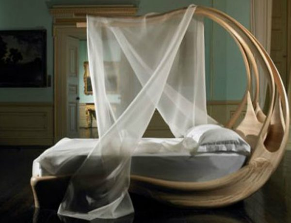 Joseph Walsh The Shocking Enignum Canopy Master Bed by Joseph Walsh Feature 600x460