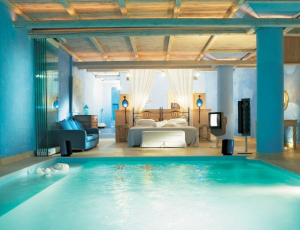 extraordinary bedrooms Extraordinary Bedrooms Collection cool bedrooms with pools bedrooms with pools in them 7d561934e2185ea6 600x460