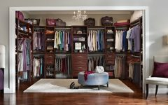 luxury closets Top Luxury Closets For Your Modern Master Bedroom Top Luxury Closets For Your Modern Master Bedroom 240x150