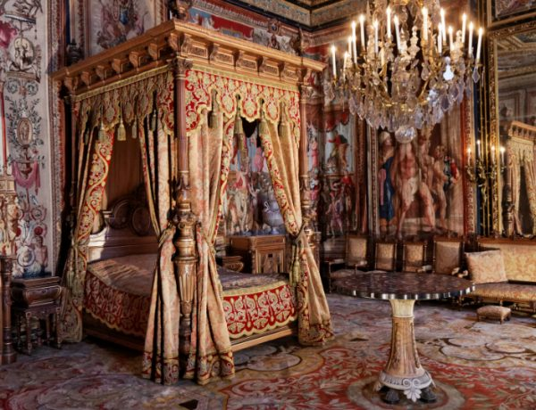 master bedrooms Opulent Master Bedrooms of Famous Palaces Le ch  teau  Fontainebleau 1 600x460