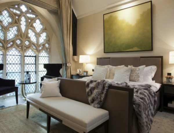 bedroom design Bedroom Designs by Top Interior Designers: TAYLOR HOWES Taylor Howes Knightsbridge beautiful glasses walls palace bedroom modern contemporary bedroom room ideas interior decor master bedroom design 1 600x460