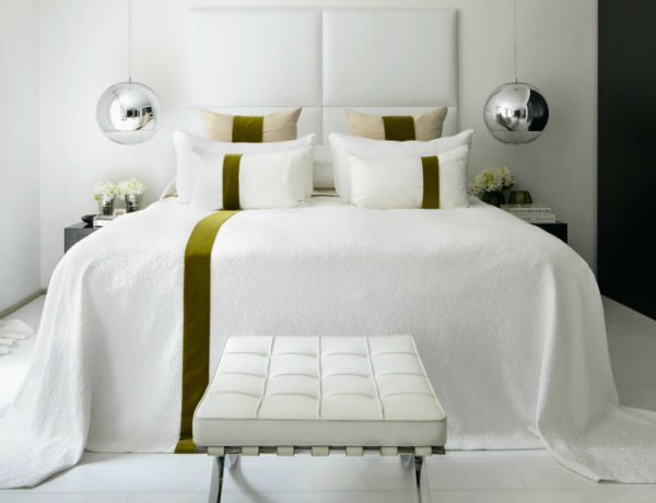 bedroom design Bedroom Designs by Top Interior Designers: Kelly Hoppen gorgeous kelly hoppen white bedroom design master bedroom ideas modern bedroom decor 1 600x460