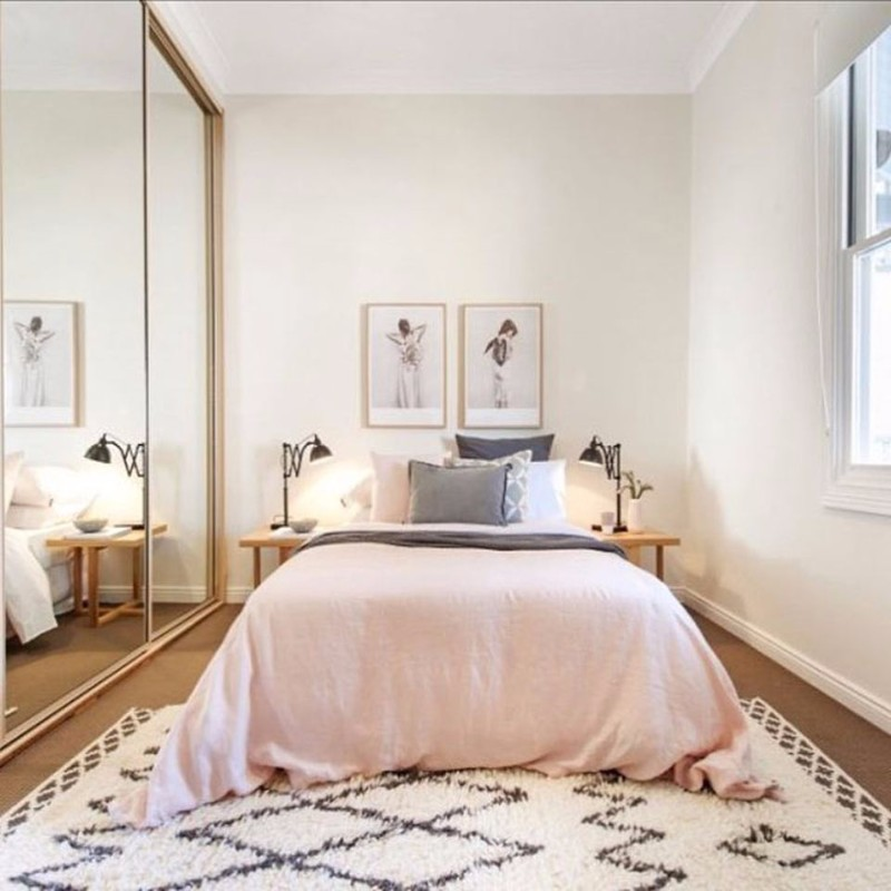 10 Ideas For Placing A Mirror Inside A Bedroom mirror inside a bedroom 10 Ideas For Placing A Mirror Inside A Bedroom Bedroom mirror pink bedroom ideas modern master bedroom inspiration ideas bedroom decor