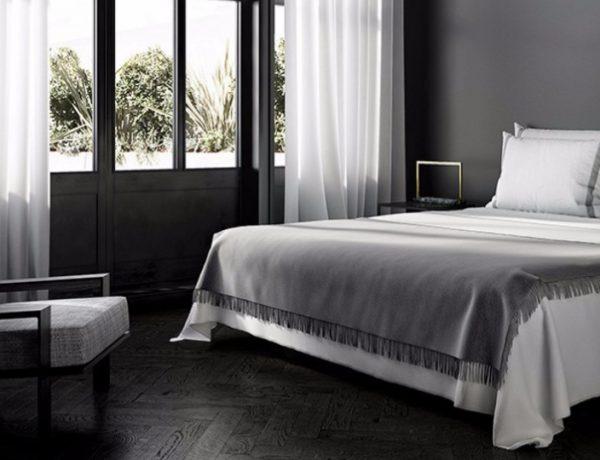 10 Sharp Black and White Bedroom Designs black and white bedroom 10 Sharp Black and White Bedroom Designs charming black and white bedroom inspiration ideas modern master bedroom design 1 600x460