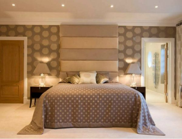 master bedroom 15 Wallpapers For Your Master Bedroom Star Flower Wallpaper Bedroom 600x460