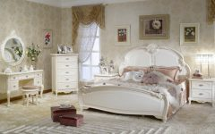 bedroom designs Parisian Bedroom Designs To Draw Your Inspiration feature 1 240x150