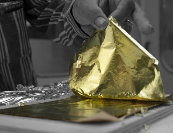 exclusive design The Art of Leaf Gilding Behind Boca do Lobo's Exclusive Design behind the scenes boca do lobo feature 600x460