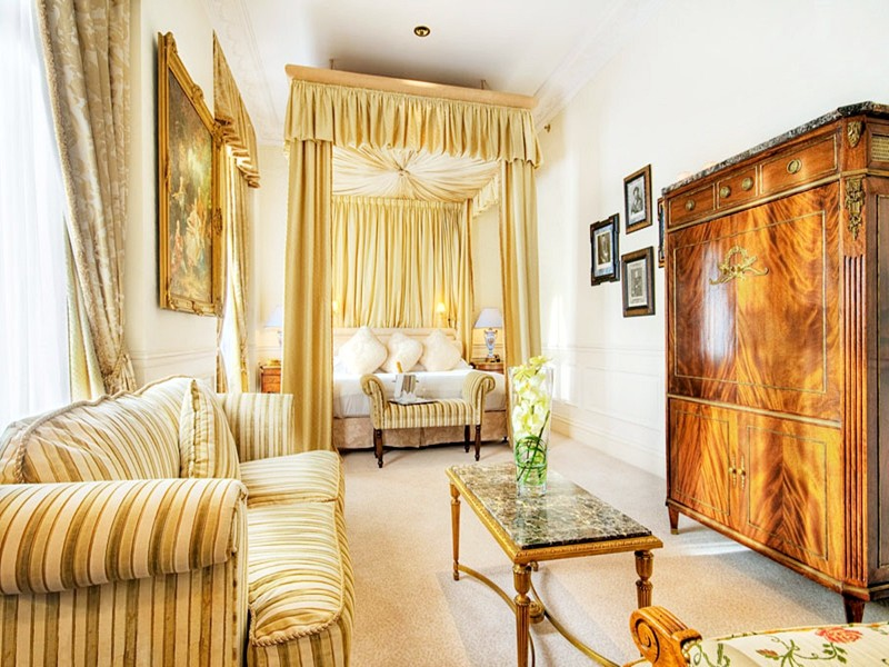 hotel suites The Most Luxurious Hotel Suites for Unforgettable Experiences in 2019 The Most Luxurious Hotel Suites for Unforgettable Experiences in 2019 15