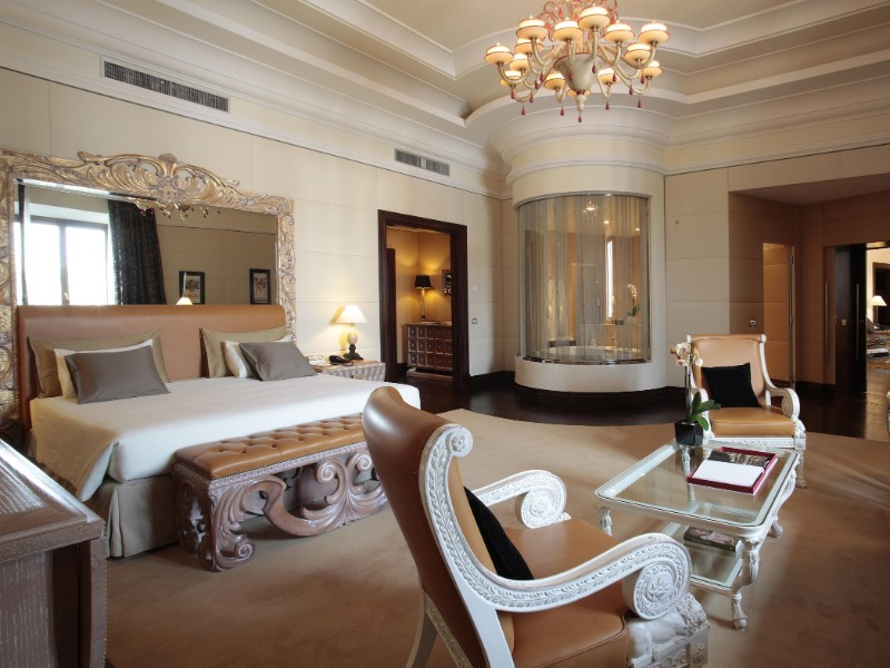 Luxury Bedrooms In Italy's Hotels italy's hotels Luxury Bedrooms In Italy's Hotels 877152 15032718180026550704 1