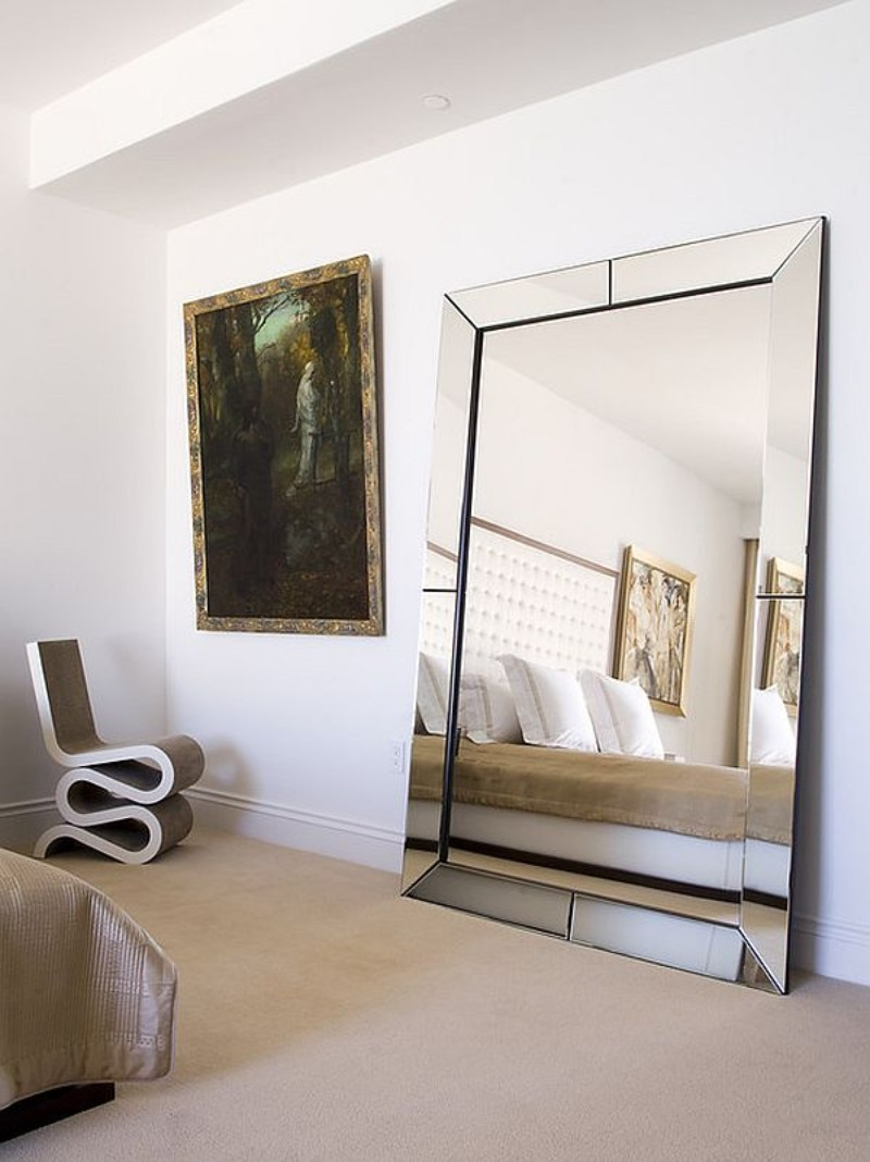 Modern Mirrors: Tips For Your Bedroom Decoration  modern mirrors Modern Mirrors: Tips For Your Bedroom Decoration Modern Mirrors Tips For Your Bedroom Decoration 7