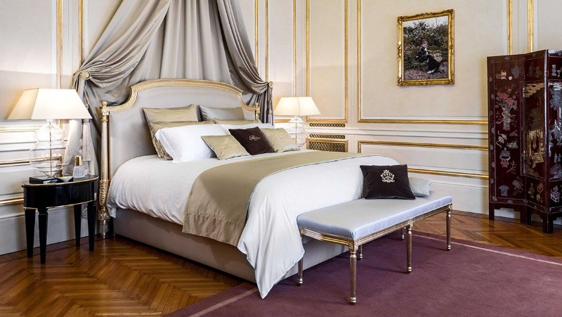 Top 5 Luxury Bedside Tables To Warm You Up This Winter bedside tables Top 5 Luxury Bedside Tables To Warm You Up This Winter RitzParis PlaceVendome