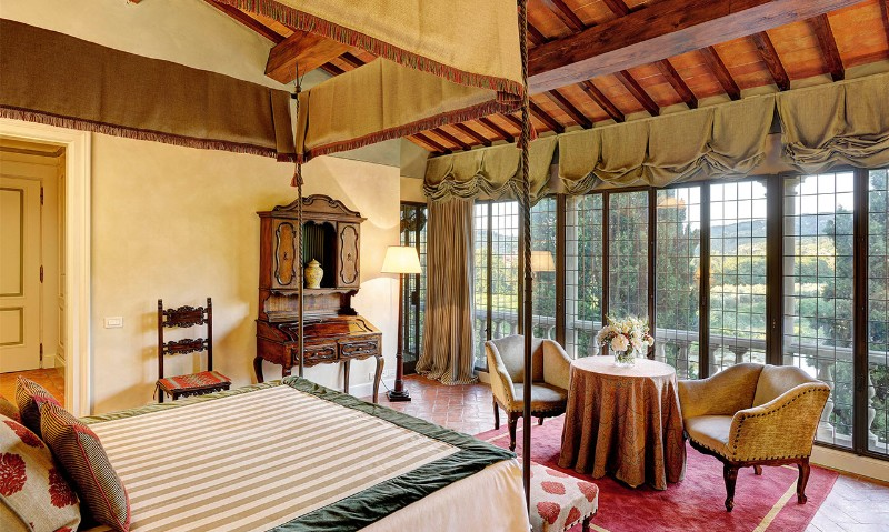 italy's hotels Luxury Bedrooms In Italy's Hotels camere juniorsuitetop 0000