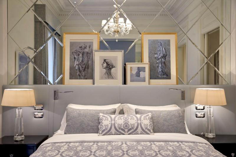 Luxury Bedrooms In Italy's Hotels italy's hotels Luxury Bedrooms In Italy's Hotels romxr king guestroom 5815 hor clsc