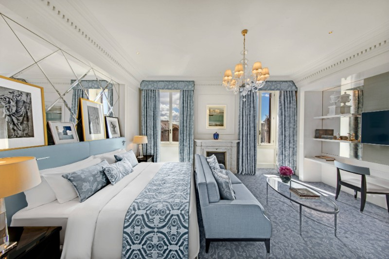 Luxury Bedrooms In Italy's Hotels italy's hotels Luxury Bedrooms In Italy's Hotels romxr king imperial 2059 hor clsc