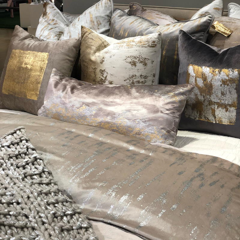 fashion and home accessories Stunning Fashion and Home Accessories for An Opulent Master Bedroom Stunning Fashion and Home Accessories for An Opulent Master Bedroom 4