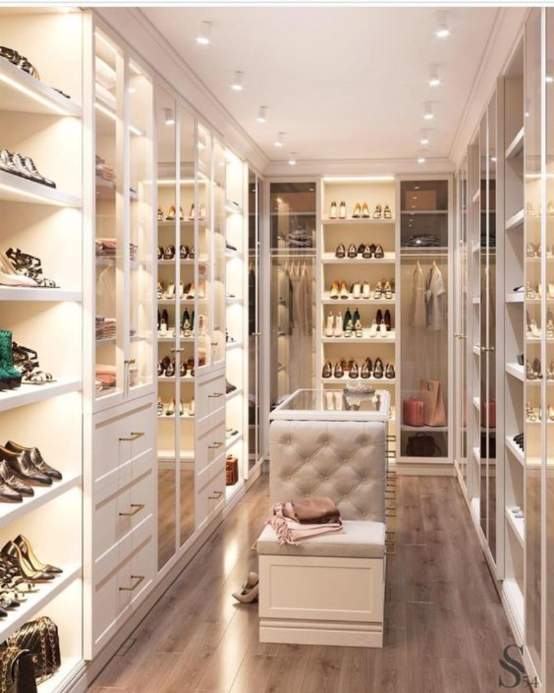 Walk-In Closet: The Must-Have In A Luxury Bedroom  Walk-In Closet Walk-In Closet: The Must-Have In Every Luxury Bedroom! Walk In Closet the must have in a luxury bedroom 2
