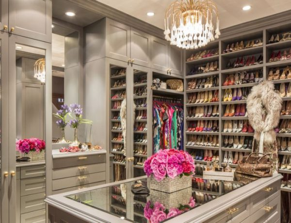 Walk-In Closet Walk-In Closet: The Must-Have In Every Luxury Bedroom! Walk In Closet the must have in a luxury bedroom 600x460