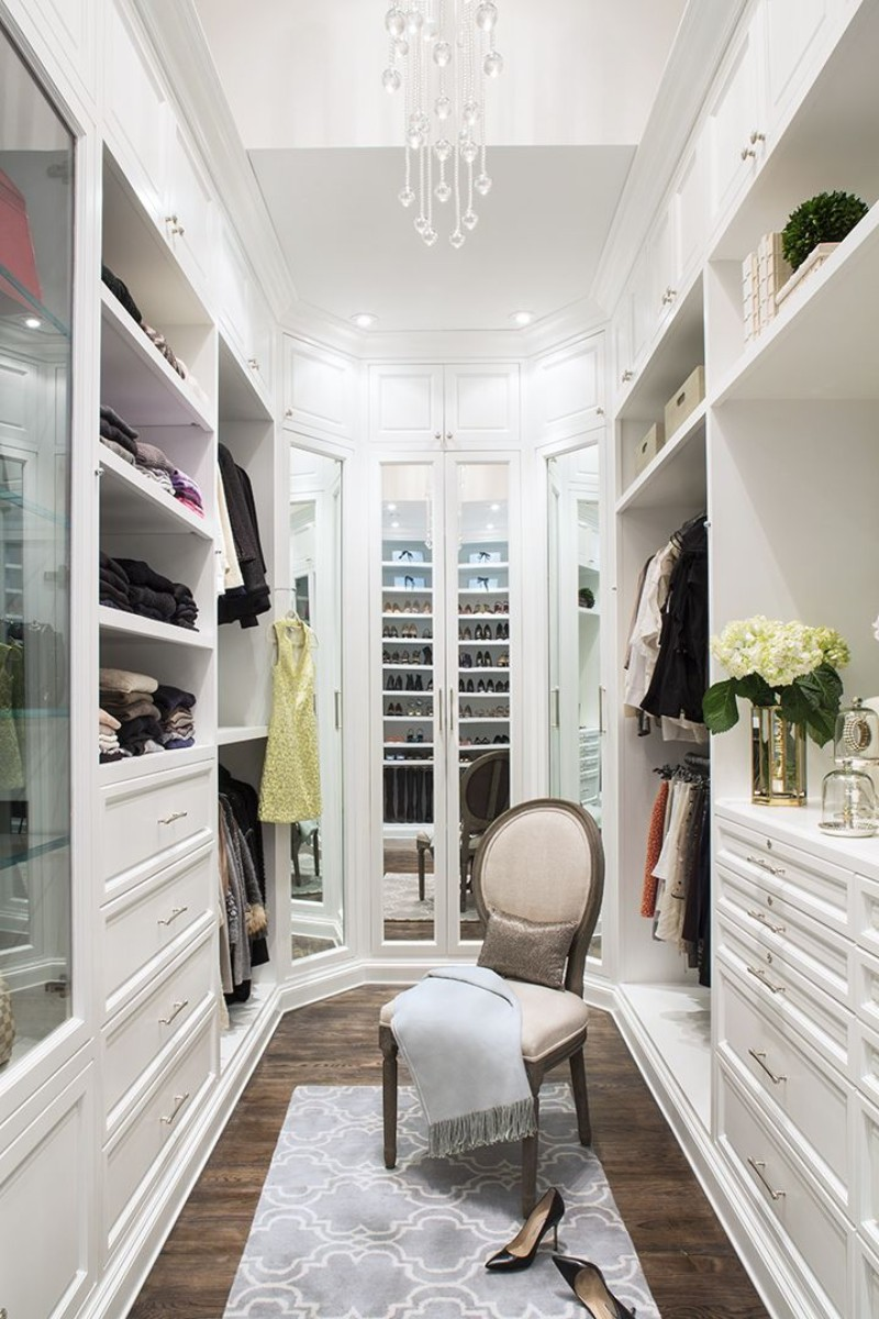 Walk-In Closet Walk-In Closet: The Must-Have In Every Luxury Bedroom! Walk In Closet the must have in a luxury bedroom 7
