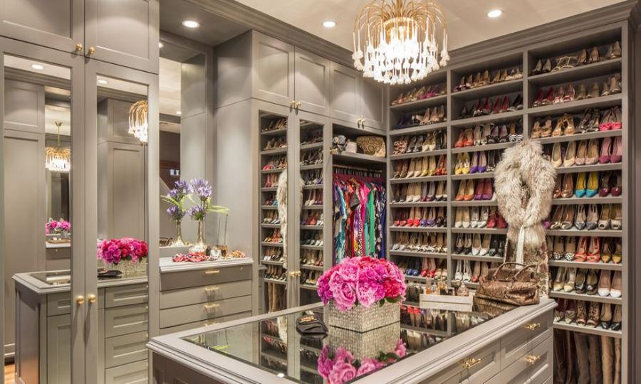 Walk-In Closet Walk-In Closet: The Must-Have In Every Luxury Bedroom! Walk In Closet the must have in a luxury bedroom