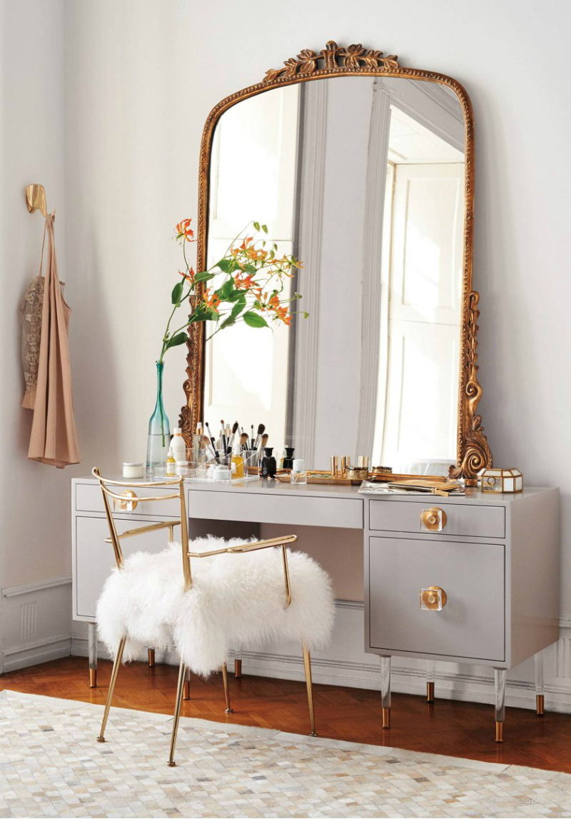bedroom mirrors Bedroom Mirrors to Refresh Your Interior Design 10 Bedroom Mirrors Thatll Make Your 2018 Absolutely Magical 8 1