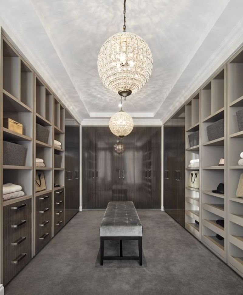 luxury closet Luxury Closet Ideas that Will Amaze You 991f6ccc71a93348a42e6f622fde0c72