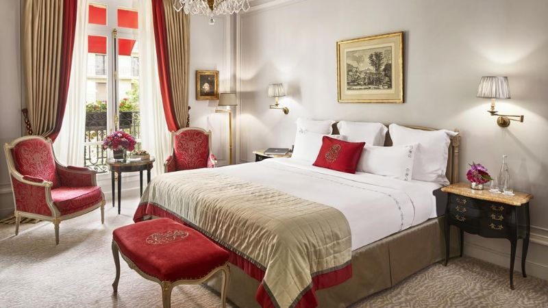 luxury hotel Best Luxury Hotel Suites in France hotel plaza athenee paris