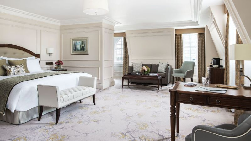 luxury hotel Top Luxury Hotel Suites in London langham