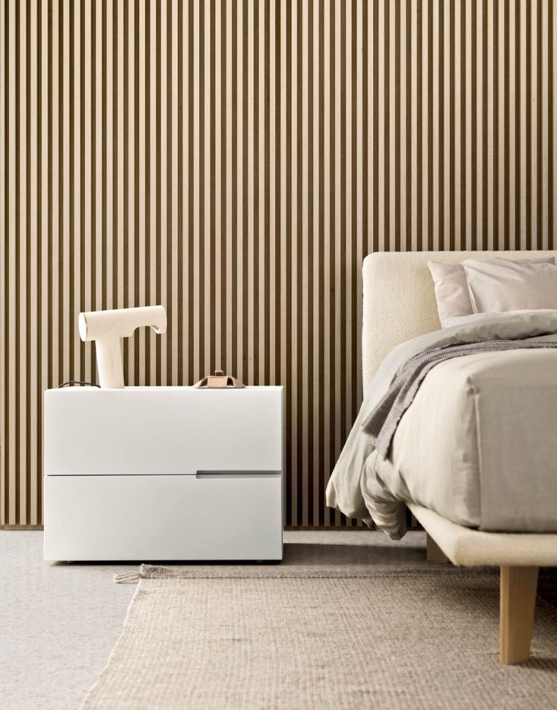 white nightstand White Nightstand Designs for Your Modern Bedroom Interior f435c76605256c3f9d8efe9f75b17bf9