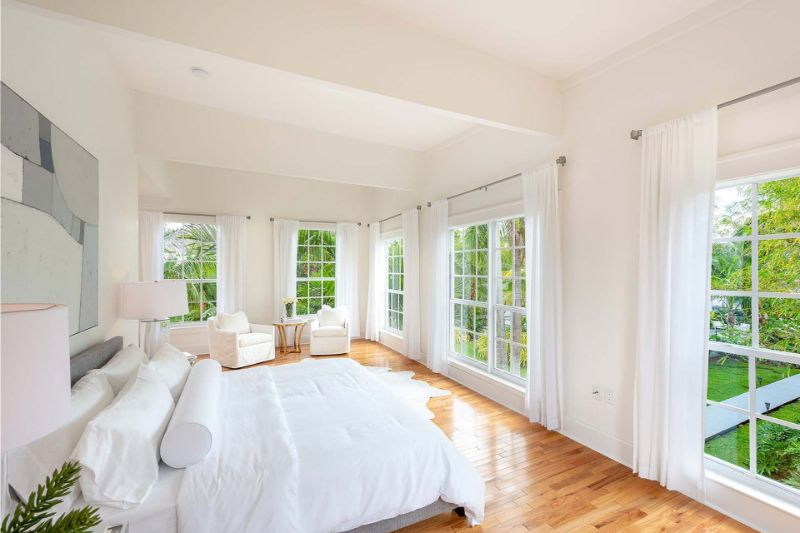 bedroom interior Elegant Bedroom Interior Designs in Celebrities' Homes al capone