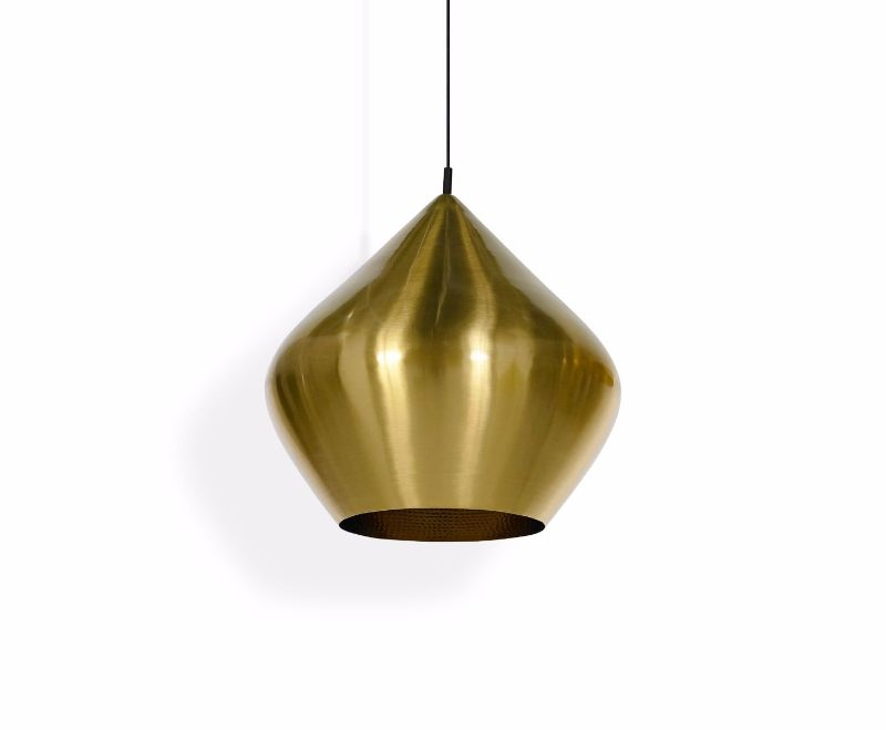 Tom Dixon's Lighting Pieces To Modern Bedrooms Design tom dixon Tom Dixon's Lighting Pieces To Modern Bedrooms Design bls04b peum beat stout pendant brass main 2
