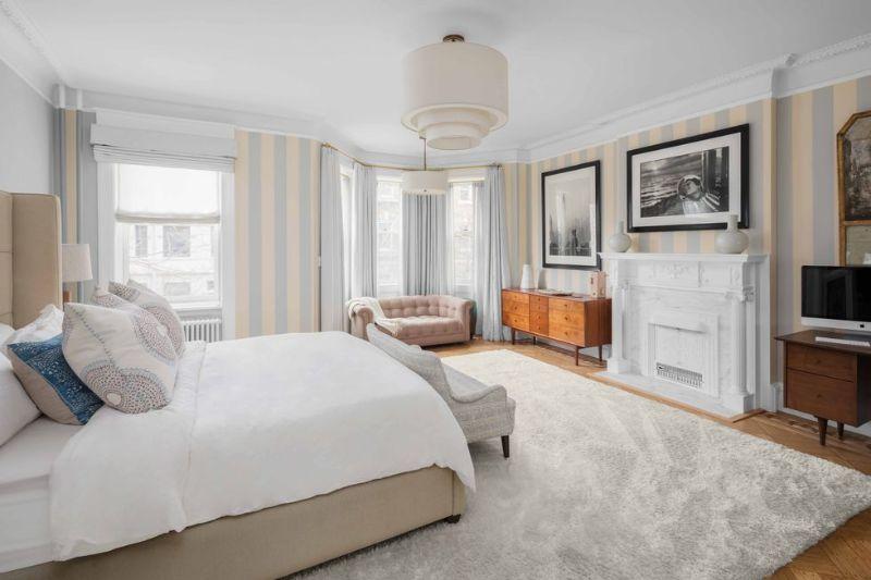 bedroom interior Elegant Bedroom Interior Designs in Celebrities' Homes emily blunt
