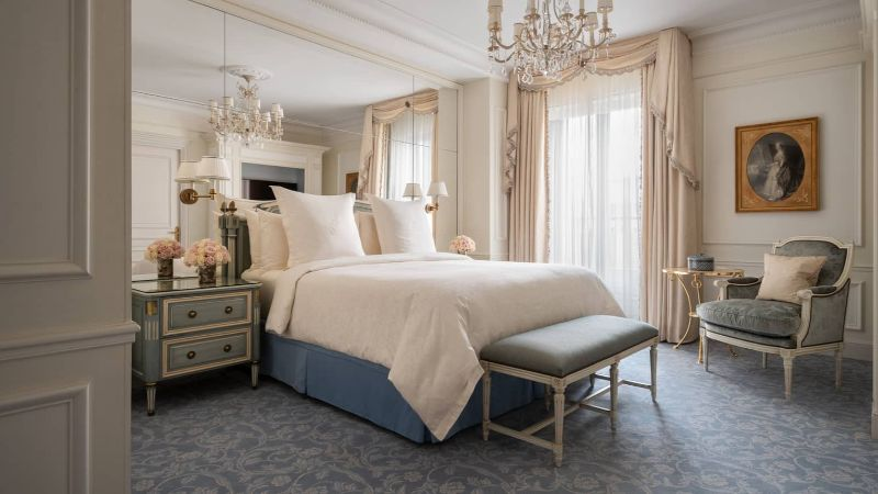 luxury hotel Luxury Hotel Rooms in Your Favorite Cities four seasons paris