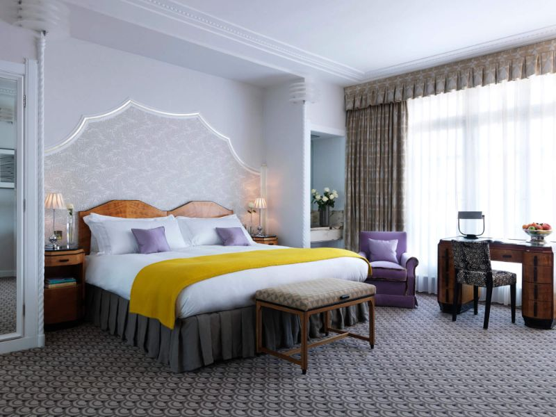 Get Inspired by India Mahdavi's Modern Bedrooms Design india mahdavi Get Inspired by India Mahdavi's Modern Bedrooms Design india mahdavi the claridges 2012 hotel restaurant bar london architecture design interior 4 800x600